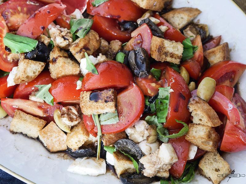 glutunfreier Tomaten - Brot - Salat