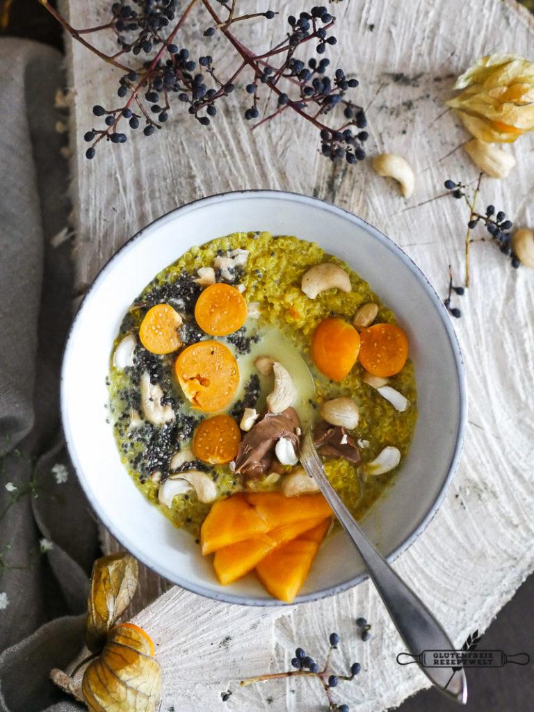 Goldener Quinoa mit Kurkuma