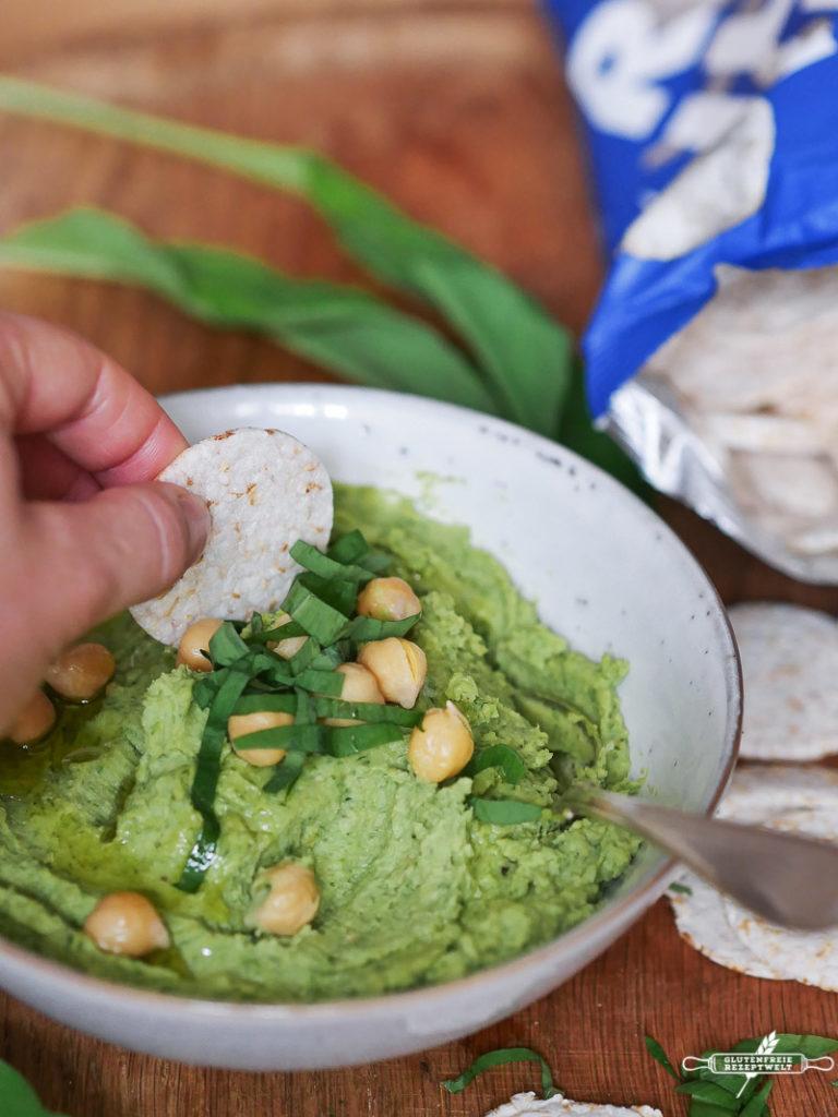 Bärlauch Hummus mit Reis Chips