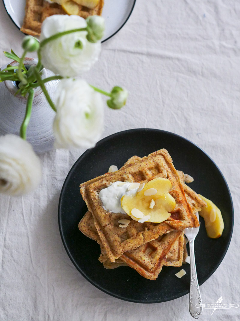 glutenfreie waffeln mit vanille pfeln glutenfreie rezeptwelt. Black Bedroom Furniture Sets. Home Design Ideas