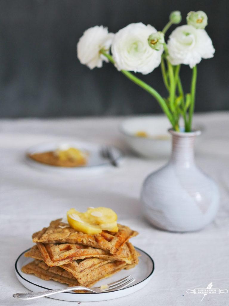 Glutenfreier Apfel - Waffeln mit Vanille-Äpfeln