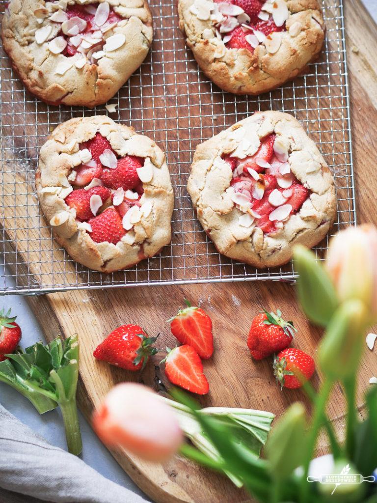 Erdbeer - Rhabarber Galettes