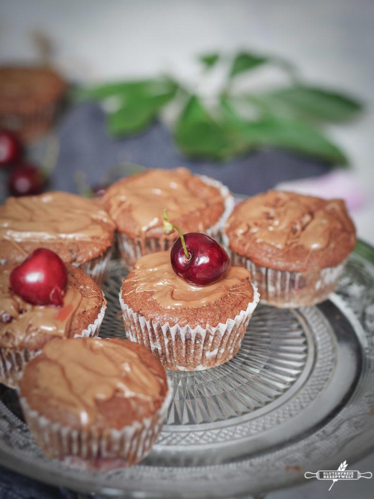 Glutenfreie Schokolden Muffins mit Kirschen-