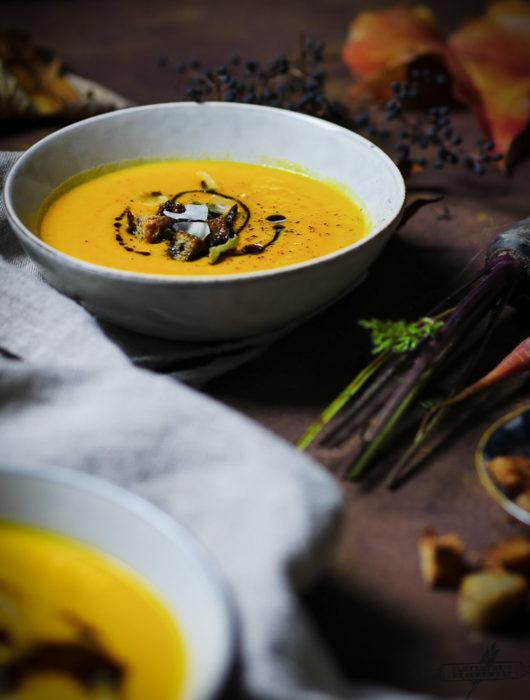 Kürbissuppe mit Kokosmilch und Ingwer, vegan