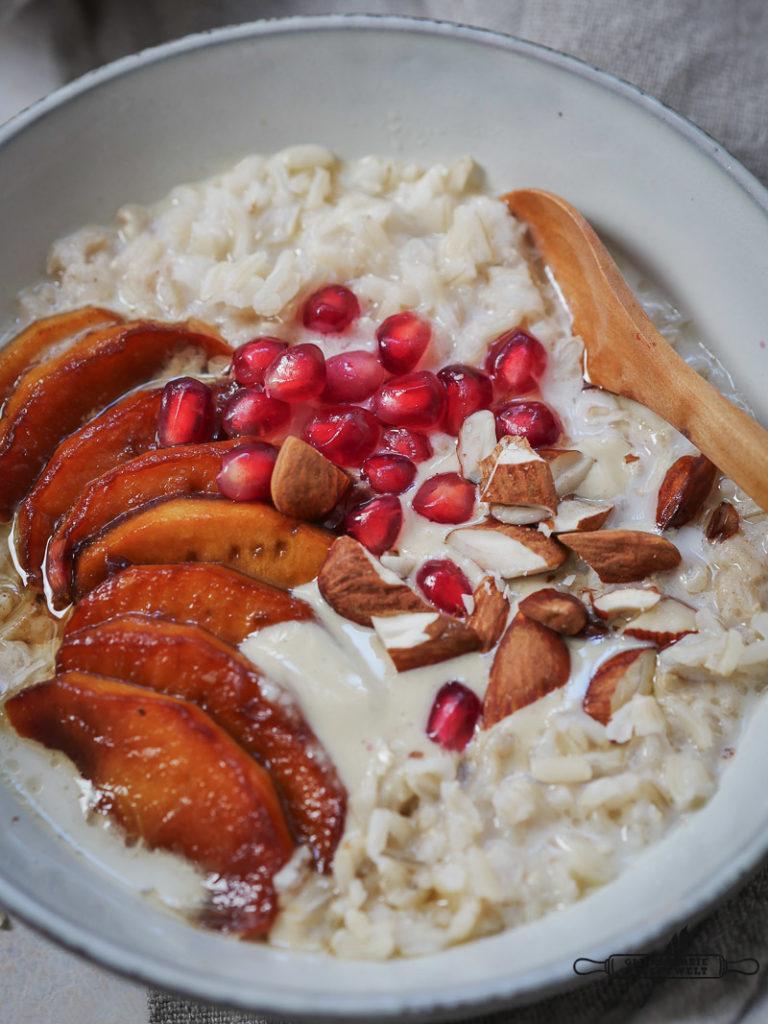 Vollkornreis - Porridge mit karamellisierten Äpfeln, glutenfrei und vegan