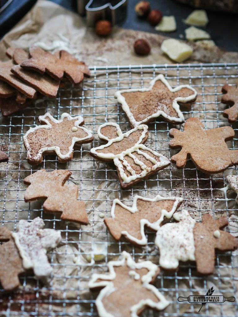 Glutenfreie Kastanienmehl Kekse mit Marzipan und weißer Schokolade