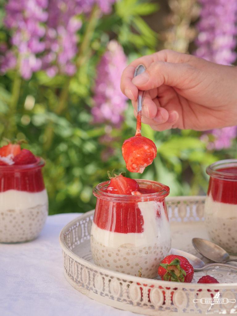 Tapiokaperlen Pudding mit Erdbeer-Himbeerpüree